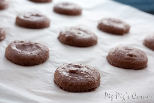 chocolate macaron 3
