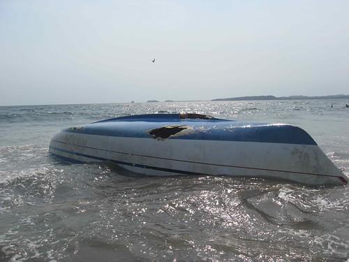 boat on da beach