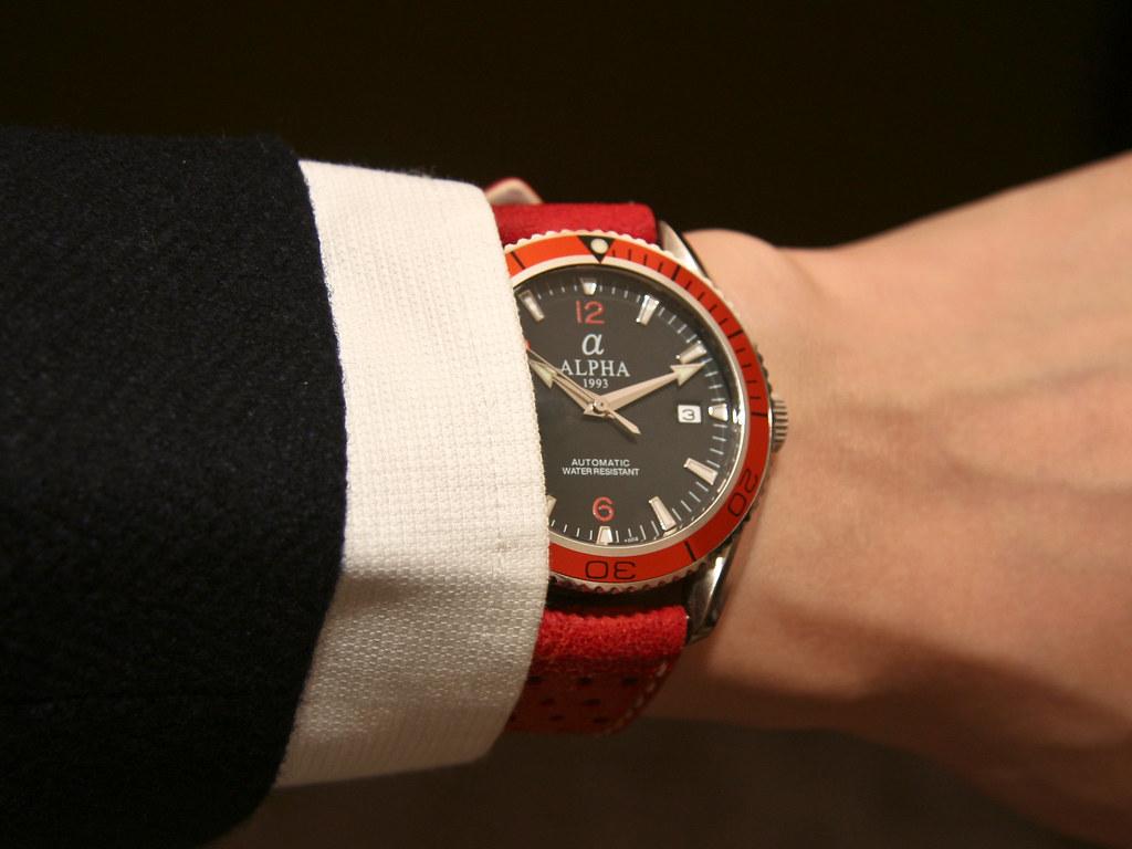 Dress wristshot - Alpha Planet Ocean Orange