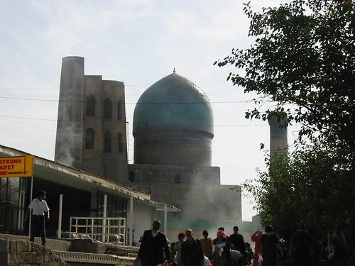Bibi Khanym van in de bazar gezien