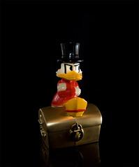 Scrooge (teemuok) Tags: sb600 sigma scrooge piggybank 1850 d90