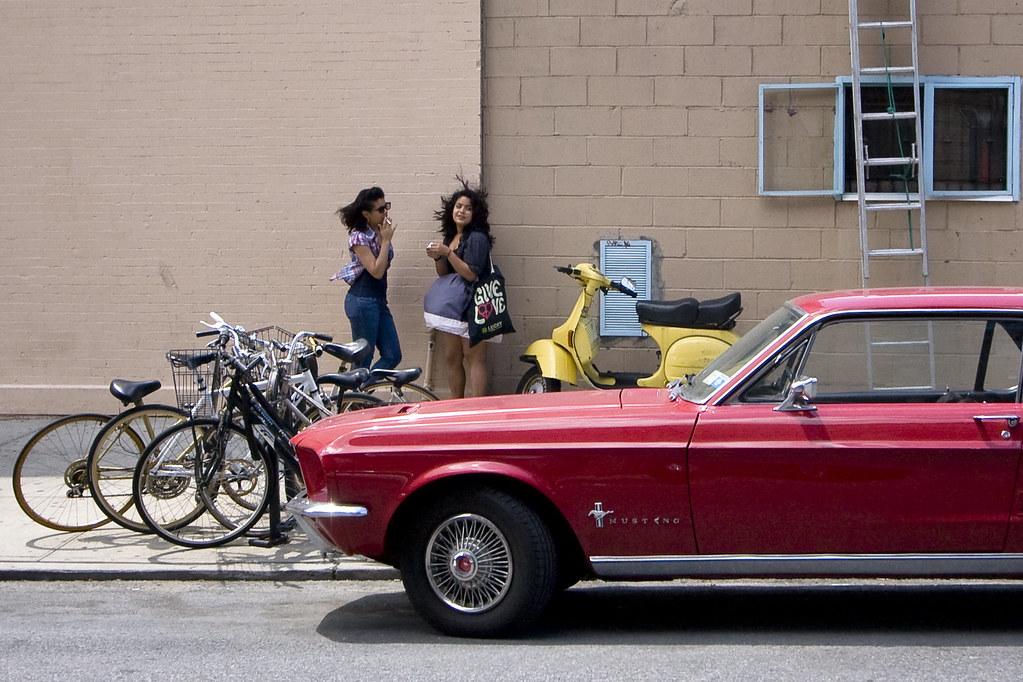 Mustang cigarette