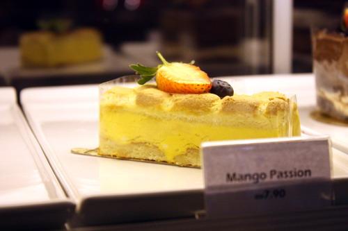 La Casa Mango Passion Cake