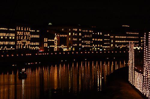 Luminara nel fiume
