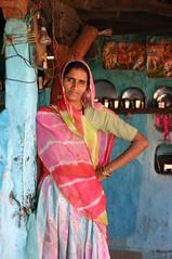 Bishnoi woman near Jodhpur (sensaos) Tags: portrait people woman india costume asia village retrato tribal clothes tribe portret ritratto cultural rajasthan indigenous jodhpur famke bishnoi 肖像画 sensaos