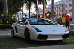 Lambo @ Royal Palm (parisneto) Tags: miami vivid agosto mia fl aug 2009 soutbeach