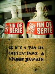 Votez NPA ((stephenleopold)) Tags: mannequin grenoble graffiti diptyque fuji200 vitrine pochoir ruelafayette marche2 décroissance findesérie chinoncm4 coursberriat crève5 ilnyapasdecapitalismeàvisagehumain