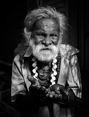 """To have nothing is not poverty."" (Sven Olle Baljeu) Tags: poverty portrait india beggar explore tamilnadu mamallapuram explored fujifilmfinepixs5700s700 tohavenothingisnotpoverty"