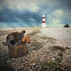Ogiva usada [She Sells Bomb Shells By The Seashore] (Jim Skea) Tags: inglaterra england lighthouse textura square suffolk shell squareformat farol 2009 orford quadrado quadrada orfordness ogiva sigma1020mmf456exdchsm awre texturizada texturised fujifilmfinepixs5pro