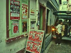 Frankfurt@Das Bett (peyotes60) Tags: vienna wien berlin peru haarlem argentina germany los bett europa punk bonn surf european tour frankfurt gijón garage go haus doctor das viena bla gijon 2009 rostock fuzz patronaat wienn farfisa tubingen agogo euroyeye explosión lospeyotes eppel perrotti bassyclub circoperrotti eppelhaus peyotesfrankfurtdasbetttubingeneppelhauseppelhausgermanyrostockbonnberlinbassy clubblaviennawienvienawienngaragepunksurffarfisafuzzeuropaeuropeantour2009argentinaperuagogogoeuro yeyegijóngijoncirco