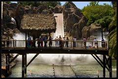 Tutuki Splash (Vctor Bautista) Tags: parque port agua barca tarragona salou aventura atracciones portaventura caida salpicar atraccion tutuki tutukisplash splas mojarse