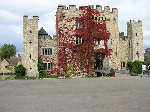 Hever Castle & Grounds, Sept 09