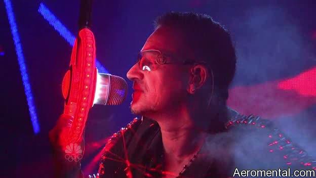 U2 SNL micrófono de luz