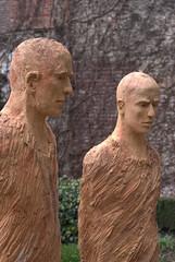 2 sculptures (Lexe-I) Tags: men artist bea beelden clay van flemish kortrijk terracota maaseik claymen vandorpe sculpturen dorpe