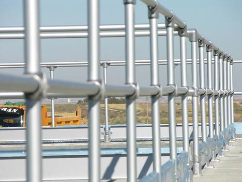 Barierki aluminiowe na oczyszczalni ścieków Kee Lite