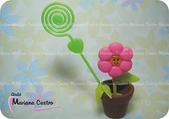 Florzinha (Ateli Mariana Castro) Tags: lembrana flor biscuit aniversrio florzinha lembrancinha portarecado vasinho