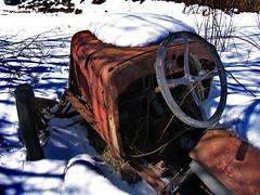 Vrakrester, for et ratt - - Wreck, what a wheel (erlingsi) Tags: shadow snow wheel norway sneeuw bil wreck oc rost index volda snø rouille vrak skygge ratt erlingsivertsen rostiges óxidos willysoverland texturasnaturales 1922willysoverlandmodel91tourer