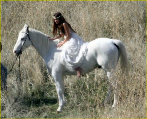 miley-cyrus-white-horse-photo-shoot-03