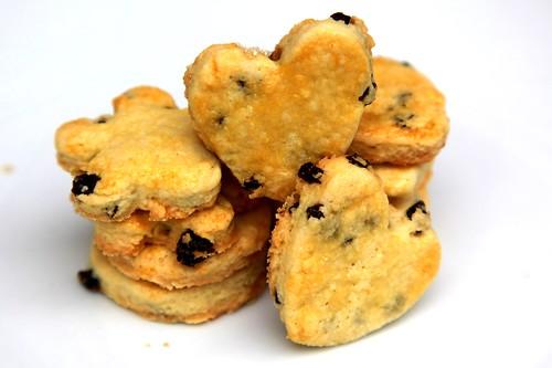 Rum-currant cookies