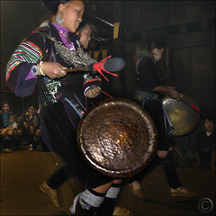 Hmong New Year  Calling in the spirits (NaPix -- (Time out)) Tags: new portrait night buffalo women nightshot dancing year ox vietnam celebration explore lunar journalism sapa hmong gongs firstquality explored napix theyearofthebufalloox jawnshanochagoodheartnewyearinhmong