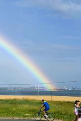 come home (Ana Luz) Tags: ocean trip travel blue light sea sky luz praia beach bike arcoiris ana boat mar rainbow céu santo vitoria espirito analuz espiritosanto