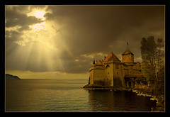 Chteau de Chillon (shardox) Tags: sun lake castle sol lago switzerland suiza castillo lemans montreux rayos photocomposition chteaudechillon fotocomposicin abigfave theunforgettablepictures colourartaward rubyphotographer