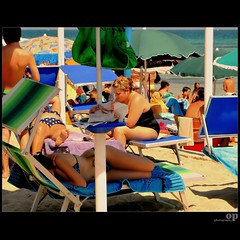 Beach Nap (Osvaldo_Zoom) Tags: summer italy beach colors seaside women nap sleep explore rest frontpage botero