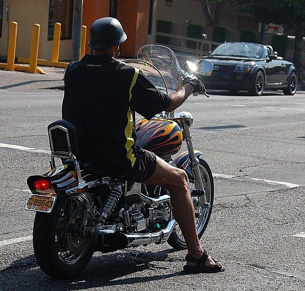 DSC_0001_motorcyclist