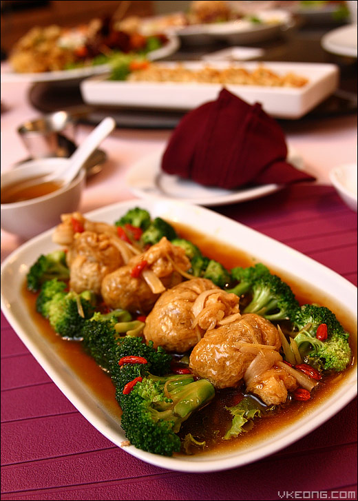 golden-pocket-with-broccoli