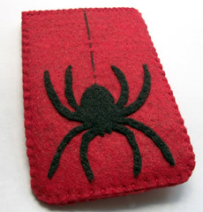 100_0365 (Coolbeans717) Tags: spider cozy scary blood ipod felt case mp3 cover blackwidow etsy iphone hallowee bloodred electronicscase coolbeans717 electronicscover
