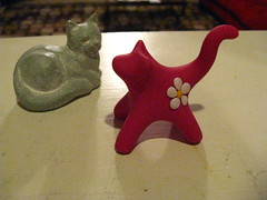 Daisy figurine with Isabel Bloom cat