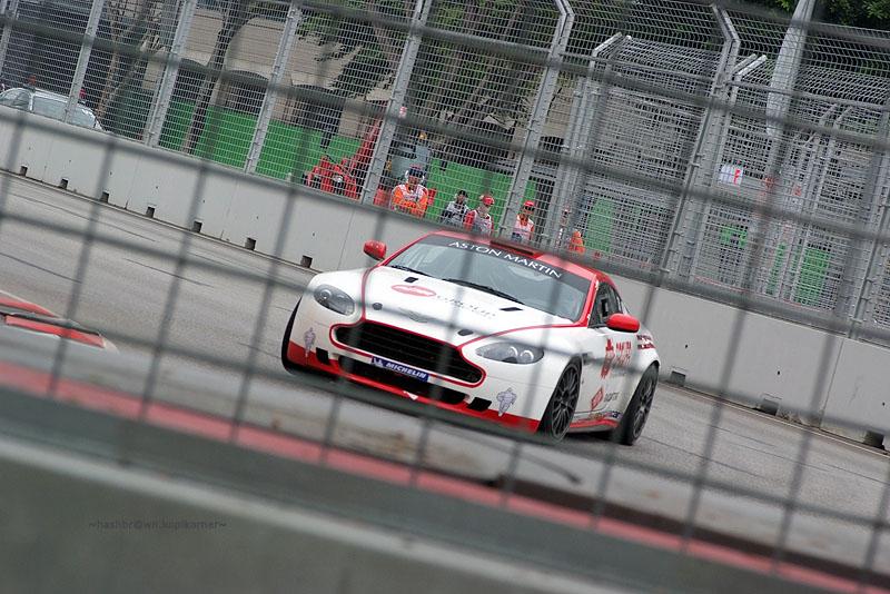 F1 night race-Aston Martin