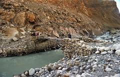 Traditional Tibetan bridge (reurinkjan) Tags: 2002 nature nikon tibet everest tingri shago jomolangma janreurink byargod rongphuchu rongchu བོད། བོད་ལྗོངས།