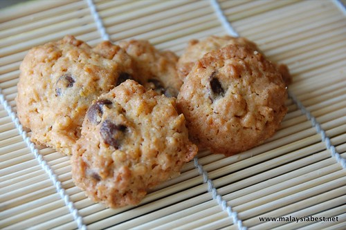 cornflakes chocolate chip cookies