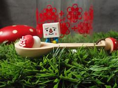 ...magique... (astel83) Tags: cute mushroom kitchen rouge tofu spoon champignon decole decolello