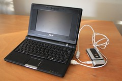 Using the EEEPC as a power source to charge a cell phone