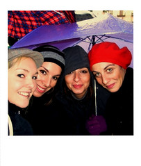 DE - IT WG (mar_g0t) Tags: girls faces palermo pioggia ombrello maedels portatrait