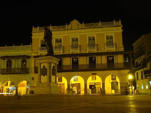 Cartagena plaza by night...