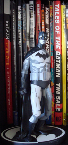 Mike Mignola Batman Black & White statue