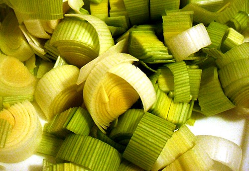 pile of chopped leeks