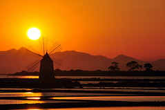 Sunset on the mill (salvatore.benanti) Tags: sunset sun mill tramonto vane sole saline mulino pala trapani favignana marsala mywinners rgspaesaggio regionalgeographicsicilia