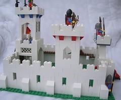 LARGE WHITE CASTLE 3 (BP Dawson) Tags: white castle classic lego