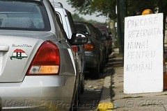 IMG_1385aw (BADigiFoto) Tags: auto park street city usa chicago news car sign silver photo illinois sticker funny driving ship photographer space flag parking unitedstatesofamerica photojournalism spot sidewalk h homemade american romania irony document illegal vehicle driver utca parked local ironic amerika magyar reserved handwritten romanian hungarian romanians legally understand separatist foreignlanguage illegitimate illogical romn kocsi vros tbla hyundaielantra amerikai separatism legitimate parkols maghiar main parcare romni shippingcompany ora strad ungur parkol romnul romnete bandrsdigitalphotography parcat media21productions romnok parkolt