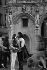 One last time (the bbp) Tags: boy brussels bw woman man love girl donna hug kiss couple belgium belgique belgie grandplace amor bruxelles bn uomo amour amore bacio grotemarkt ragazza coppia ragazzo belgio abbraccio doisneau stolenshot 123bw thebbp flickrphotoaward