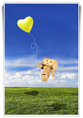 Drawn by Love ('PixelPlacebo') Tags: sky cute love clouds ego toy flying ebay photos balloon lawn adorable away buddy adventure plastic drawn float breeze alter loveyou carried danbo revoltech danboard hanoiiswaiting destinationhni