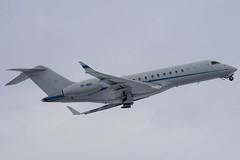 VP-BSC - SABIC - Bombardier BD-700-1A10 Global Express - Luton - 090203 - Steven Gray - IMG_7946