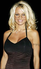 Pamela Anderson wearing glasses! (GwG_Fan) Tags: glasses pamelaanderson girlswithglasses girlswearingglasses gwgs