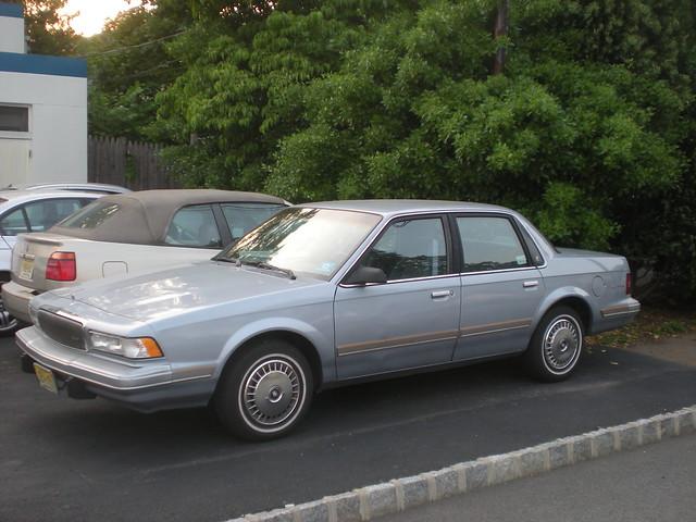 sedan buick buickcentury intermediatecar mark5century