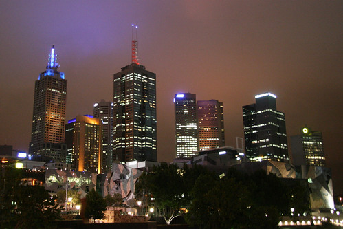 Handheld shot of the eastern Melbourne CBD