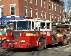 E081e FDNY Engine 81, Bronx, New York City (jag9889) Tags: county city nyc house ny newyork truck fire bronx engine company borough kingsbridge norwood fdny 2009 firefighters seagrave 81 bravest hullavenue 2ndalarm engine81 y2009 e081 jag9889